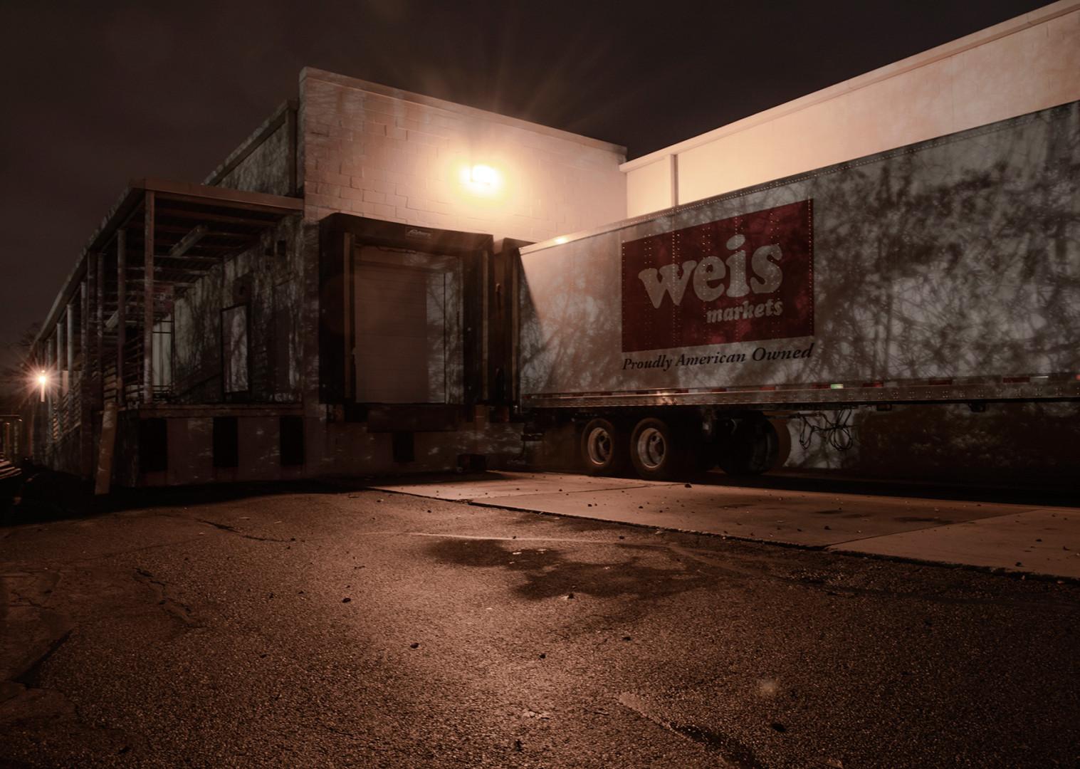 night shot, photo noir,Loading dock,easton,pennsylvania,lehigh valley,mood,moody