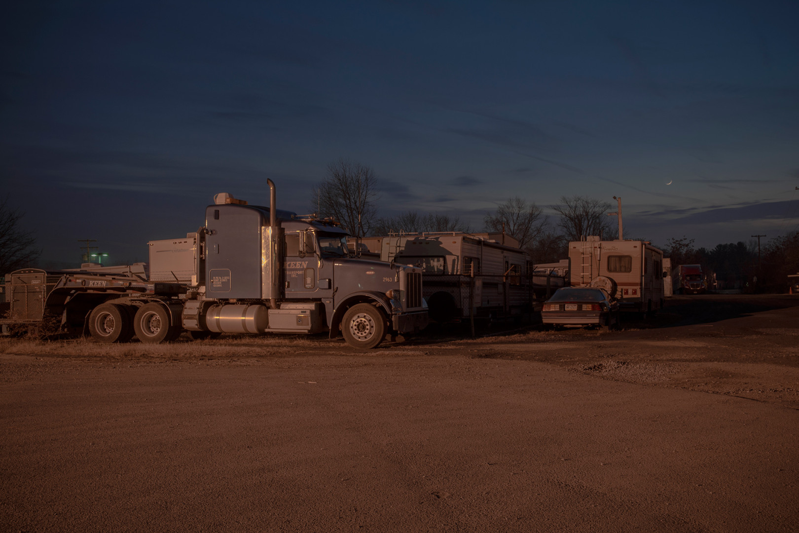 photo noir,trucks,night,long exposure