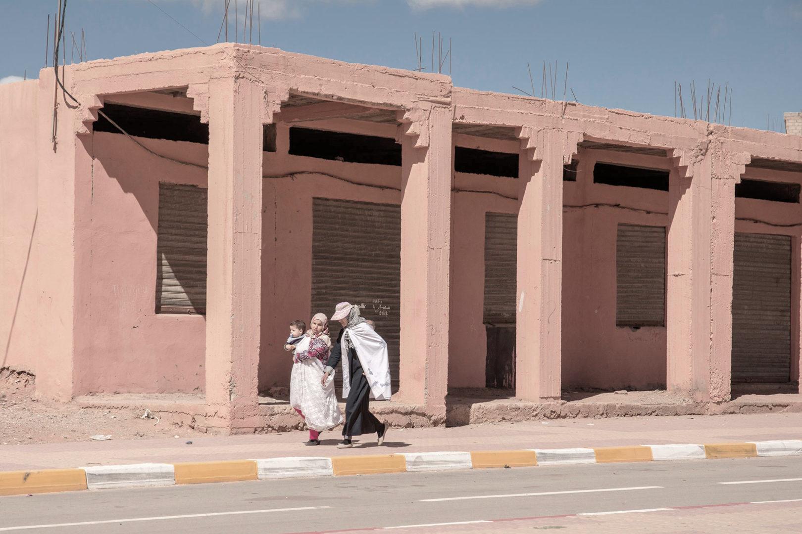 Two women with their children near Rissani